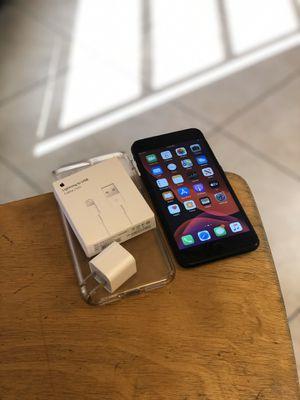 iPhone 7 Plus 128GB UNLOCKED for Sale in Phoenix, AZ