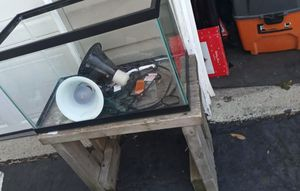 Fish tank with heat lamps for Sale in Galloway, OH