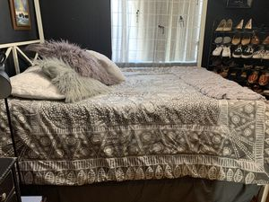 Queen size bed for Sale in Fort McDowell, AZ