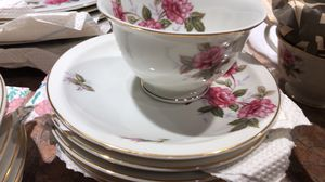 Teito Laurel pink rose antique china set for Sale in Grayslake, IL