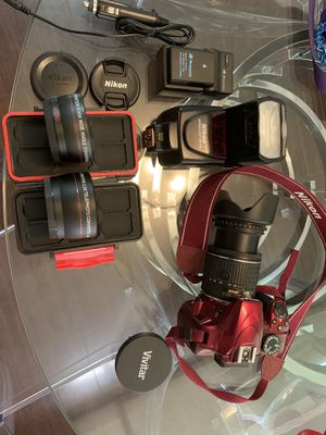 Nikon DSLR D3400 with speed light sb700 and lenses bundle zoom lense. for Sale in Los Angeles, CA