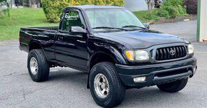Full price 2004 Toyota Tacoma for Sale in Wichita, KS