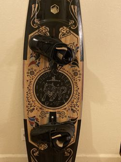 **RARE** 2018-2019 LQUID FORCE WAKEBOARD for Sale in Sacramento,  CA