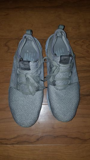 New balance mens shoes size 10.5 for Sale in Laurel, MD