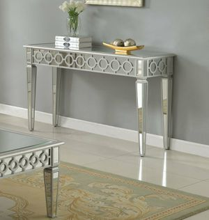 Brand new sophie mirrored table for Sale in San Francisco, CA