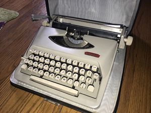 Royal Typewriter for Sale in IL, US