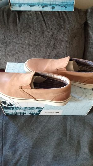 SPERRY TOP-SIDER STRIPER S/O BURNISHED for Sale in Long Beach, CA