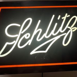 """Vintage 19.5""""x13""""x5"""" Schlitz Brewing Co Sign Lighted 1982 Wisconsin for Sale in Beaverton, OR"""