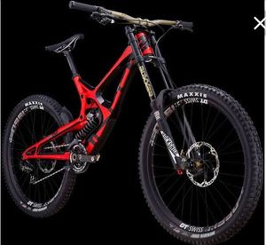 Downhill bike M16 carbon Pro for Sale in Camp Springs, MD