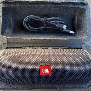 JBL Flip 5 Bluetooth Speaker for Sale in Vancouver, WA