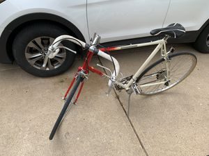 Gorgeous Vintage Classic Schwinn World Road Bike for Sale in St. Louis, MO