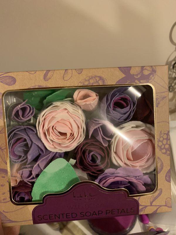 Scented rose soap petals