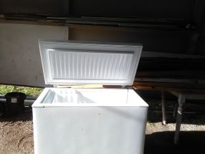 Frigidaire deep freezer for Sale in Powell, TN