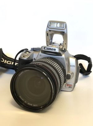Canon EOS Digital Rebel XTi with Sigma zoom lens for Sale in Hazlet, NJ