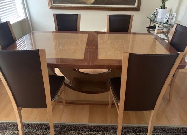 ELEGANT, WOODEN, ITALIAN DINNER TABLE AND CHAIRS
