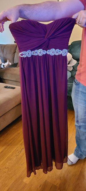 Maroon prom dress - size 3 for Sale in Bothell, WA