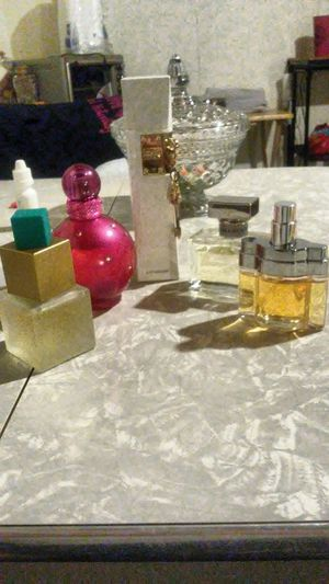 5 bottles of Good Perfume for Sale in St. Louis, MO