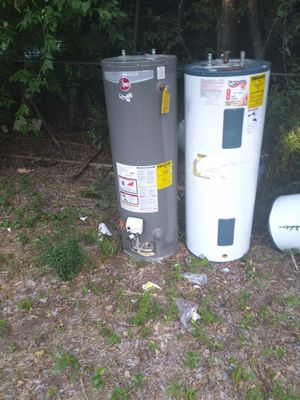 Water heaters gas and electric 40 and 50 GALLON for Sale in Fort Worth, TX