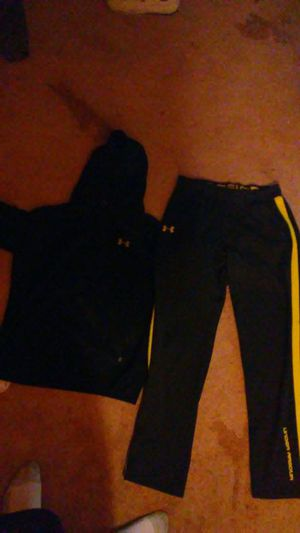 Under armour mens outfit for Sale in Pontiac, MI