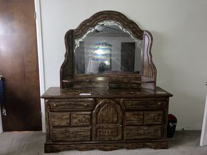 Wooden Dresser Set for Sale in Euless, TX