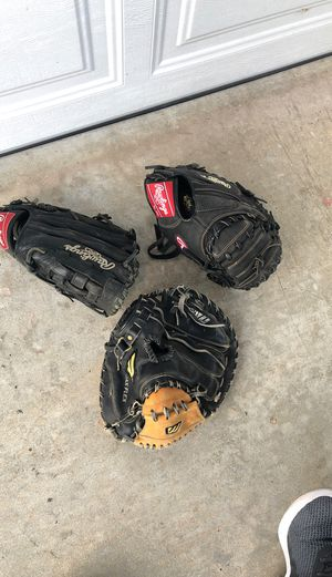 Baseball Righty Rawlings and Mizuno gloves for Sale in Encinitas, CA