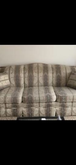 Living Room Couch for Sale in Florissant,  MO