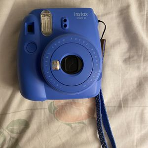 Blue Polaroid With New Batteries for Sale in Los Angeles, CA