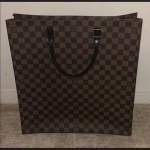 Louis Vuitton Authentic Sac Plat for Sale in Farmington Hills, MI