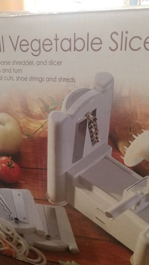 Spiral vegetable slicer . for Sale in San Antonio, TX