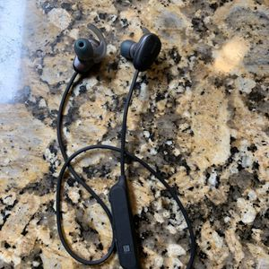 OVER HALF OFF! SONY WIRELESS IN-EAR SPORTS HEADPHONES WI-SP600 for Sale in Hollywood, FL