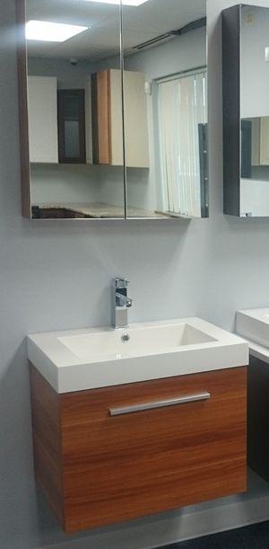 "Modern woodgrain vanity 24"" wide for Sale in Franklin Park, IL"
