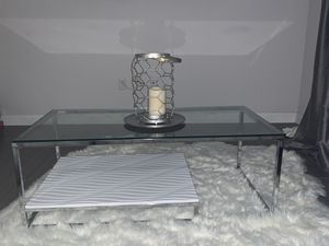 Coffee table for Sale in Ives Estates, FL