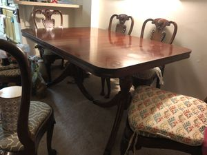 dining table with 6 chairs for Sale in MARTINS ADD, MD