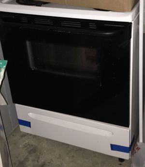 Like new stove and ac unit refrigerator Stackable washer and dryer for Sale in UPR MARLBORO, MD