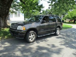 2005 Ford Explorer 4x4,4 doors, all power 3 rd row seat for Sale in Manassas, VA