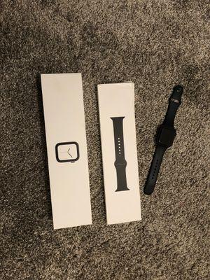 Apple Watch Serie 4 (GPS + Celular), Correa deportiva negra., 44mm, Carcasa de aluminio gris espacial. for Sale in Orlando, FL