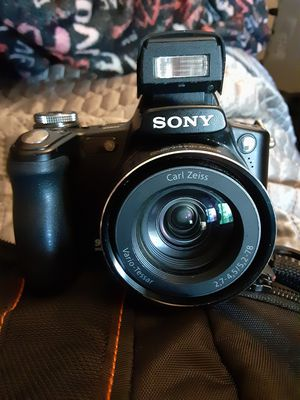 Sony Dsc-h50 digital camera for Sale in Indianapolis, IN