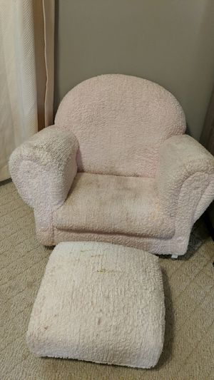 Toddler rocking chair and ottoman for Sale in Maple Grove, MN
