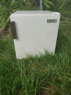 Mini Fridge for Sale in Cape Coral, FL