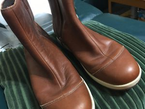 Women's 10.5 Waterproof Chaco Brown Ankle Boots $75 for Sale in Greensburg, PA