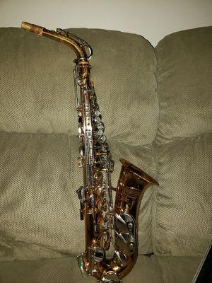 Bundy II Alto saxophone with case for Sale in Smithfield, RI