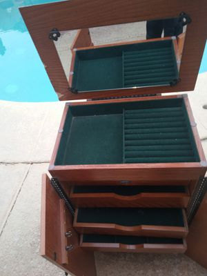Standing Jelwery Box for Sale in Phoenix, AZ