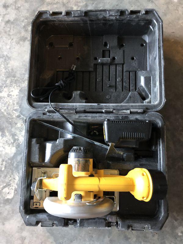 Dewalt 18 volt Battery Saw