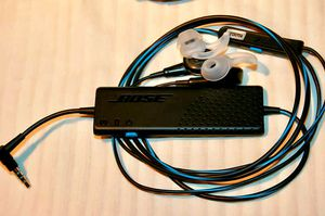 """Bose"""" Bose Headphones; New ones cost $ 250, I sell them for $60. for Sale in Riverdale, MD"""
