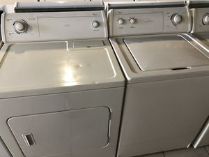 Whirlpool washer and dryer for Sale in Pompano Beach, FL