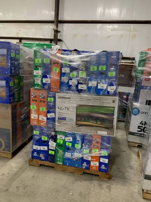 Vizio TV!! All new with Warranty! 55 inch television! LE4 for Sale in Riverside, CA