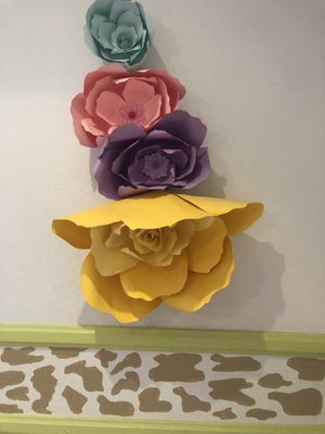 Decorative paper flowers for Sale in Long Beach, CA