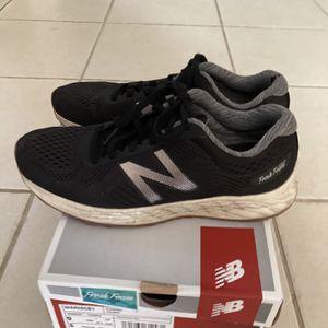 New Balance Foam Sneakers - Size 9 for Sale in El Dorado Hills, CA