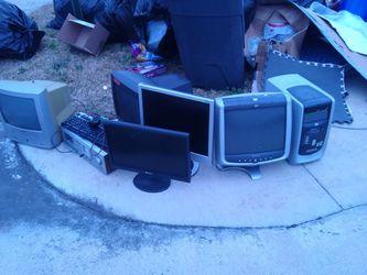 Free Computers (Monitors, Tower, CRT) - 3222 Scotch Moss for Sale in La Porte,  TX