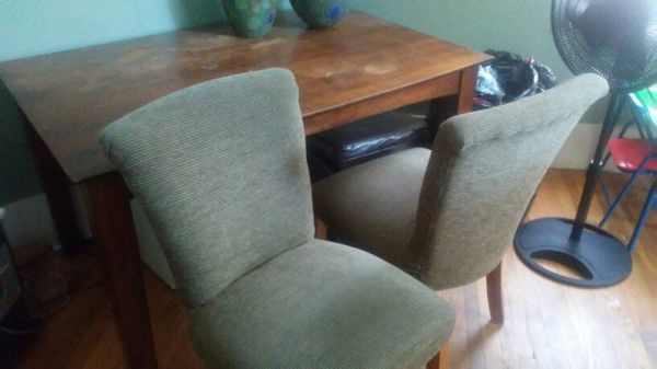 Solid wood w/2 chairs